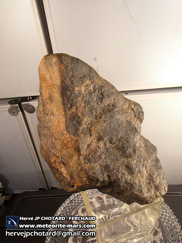 """Météorite """"Chizé"""" de Mars snc orientée du 5 novembre 2012 forme de la météorite"""